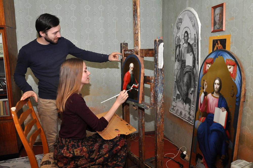 Мария и Анатолий за работой